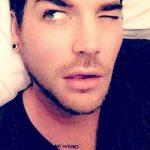 Adam est em Nova Iorque at fazendo careta ele ficahellip