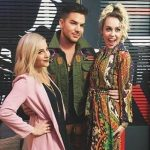Adam Alisan e Miley Cyrus nos bastidores do The Voicehellip